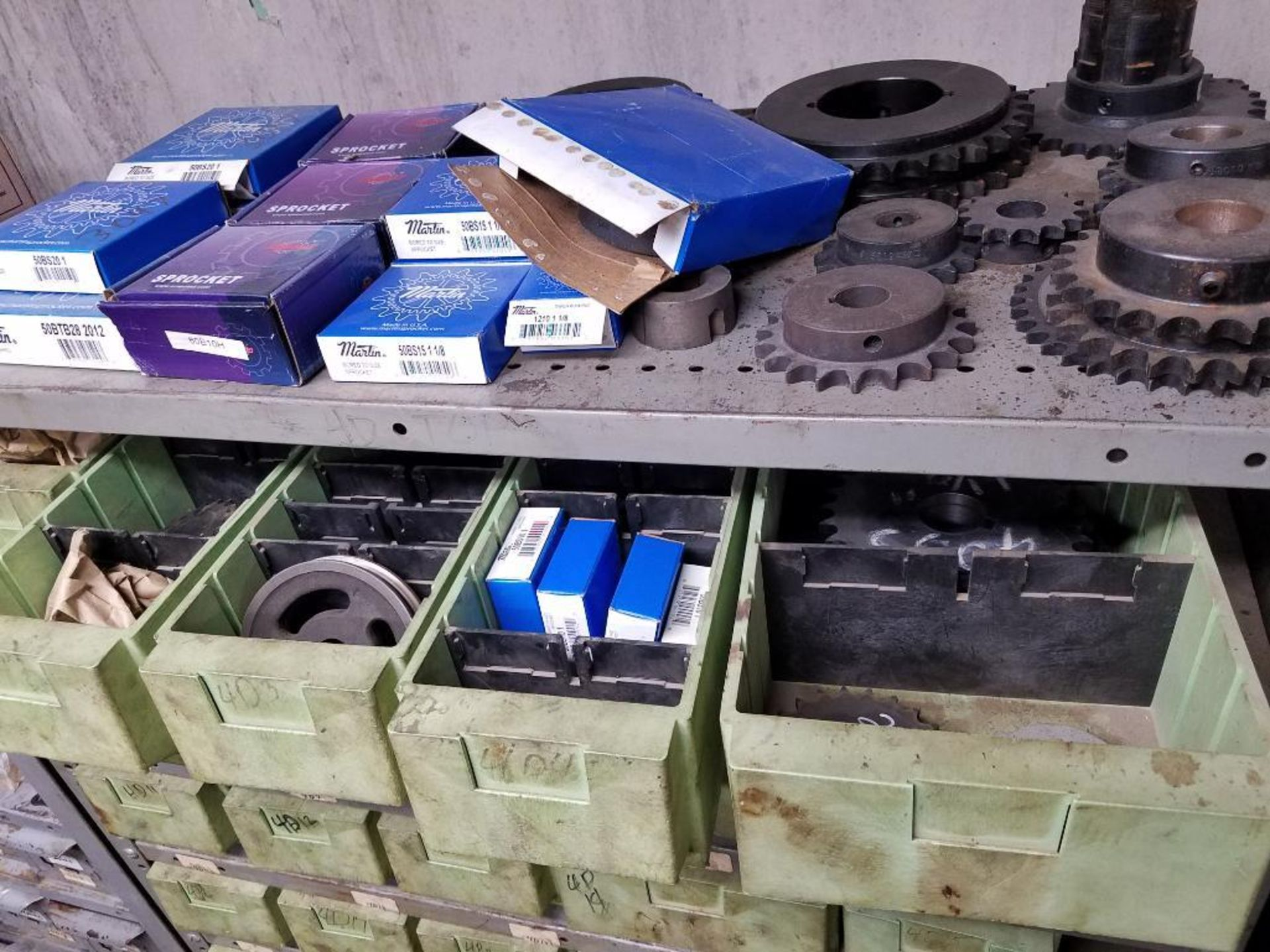 bushings, sheaves, links, chain, couplers, sprockets, and pulleys - Image 15 of 24