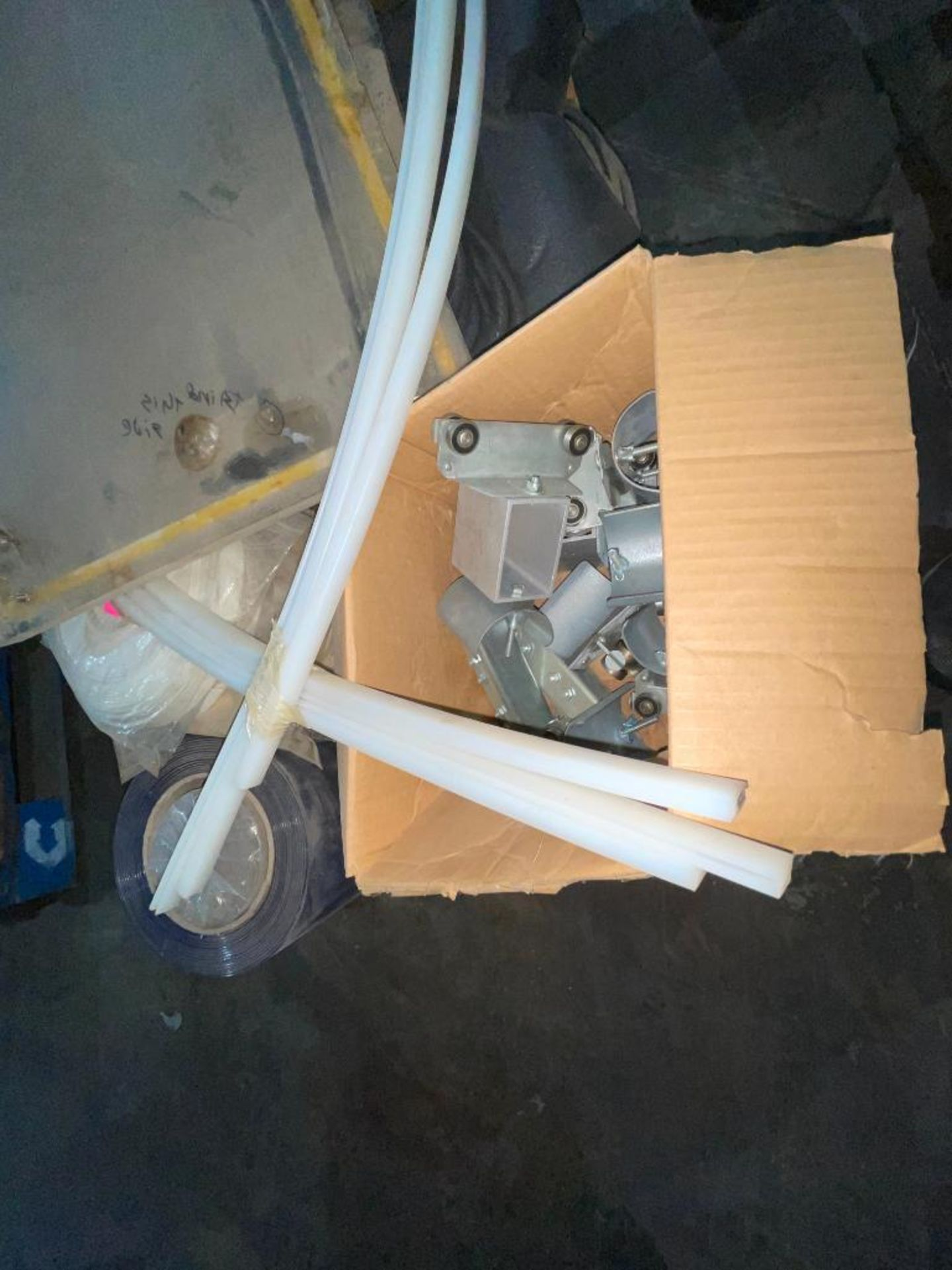 pallet of plastic strip curtain - Image 4 of 7