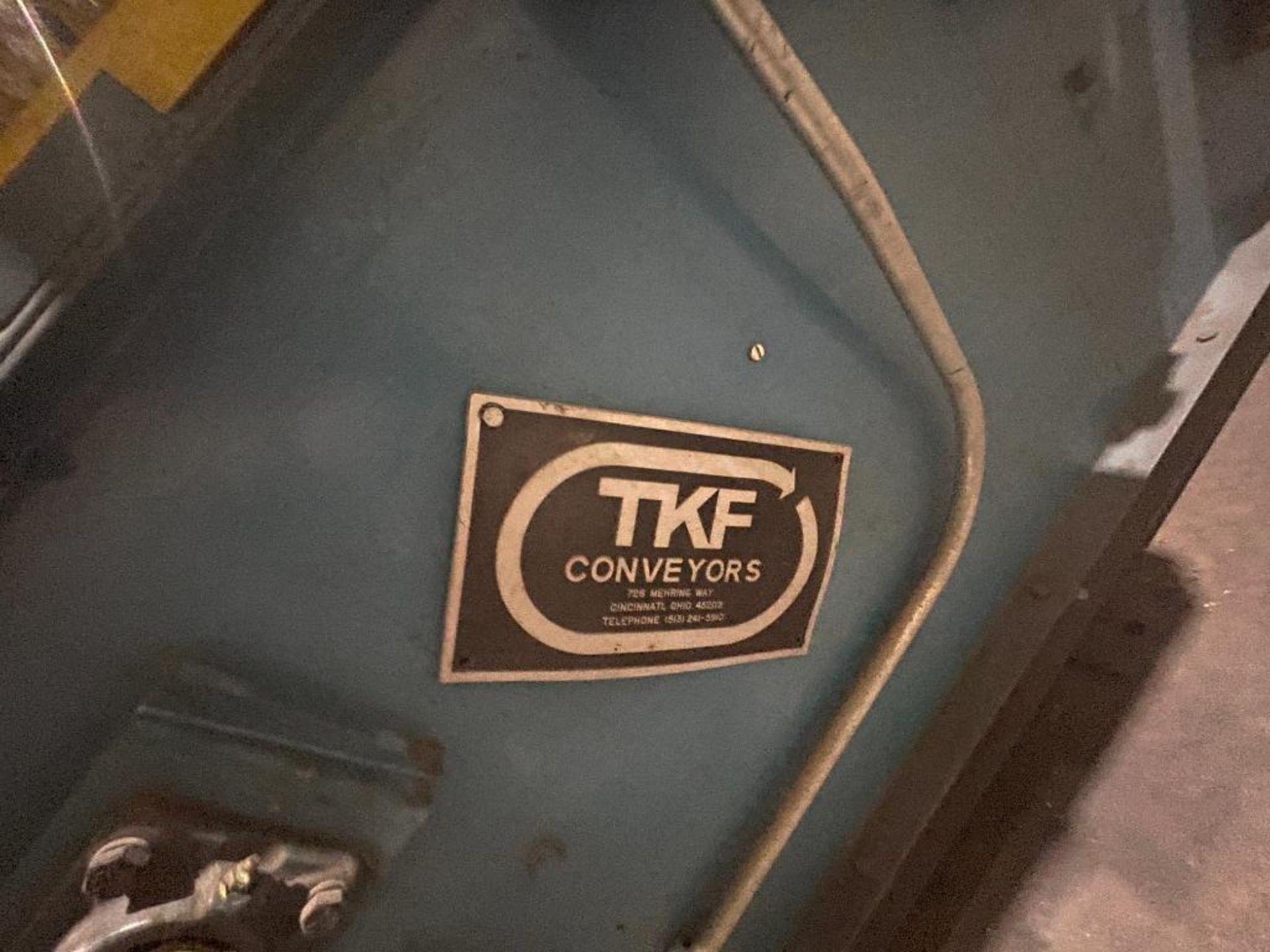 TKF vertical case elevator - Image 5 of 14