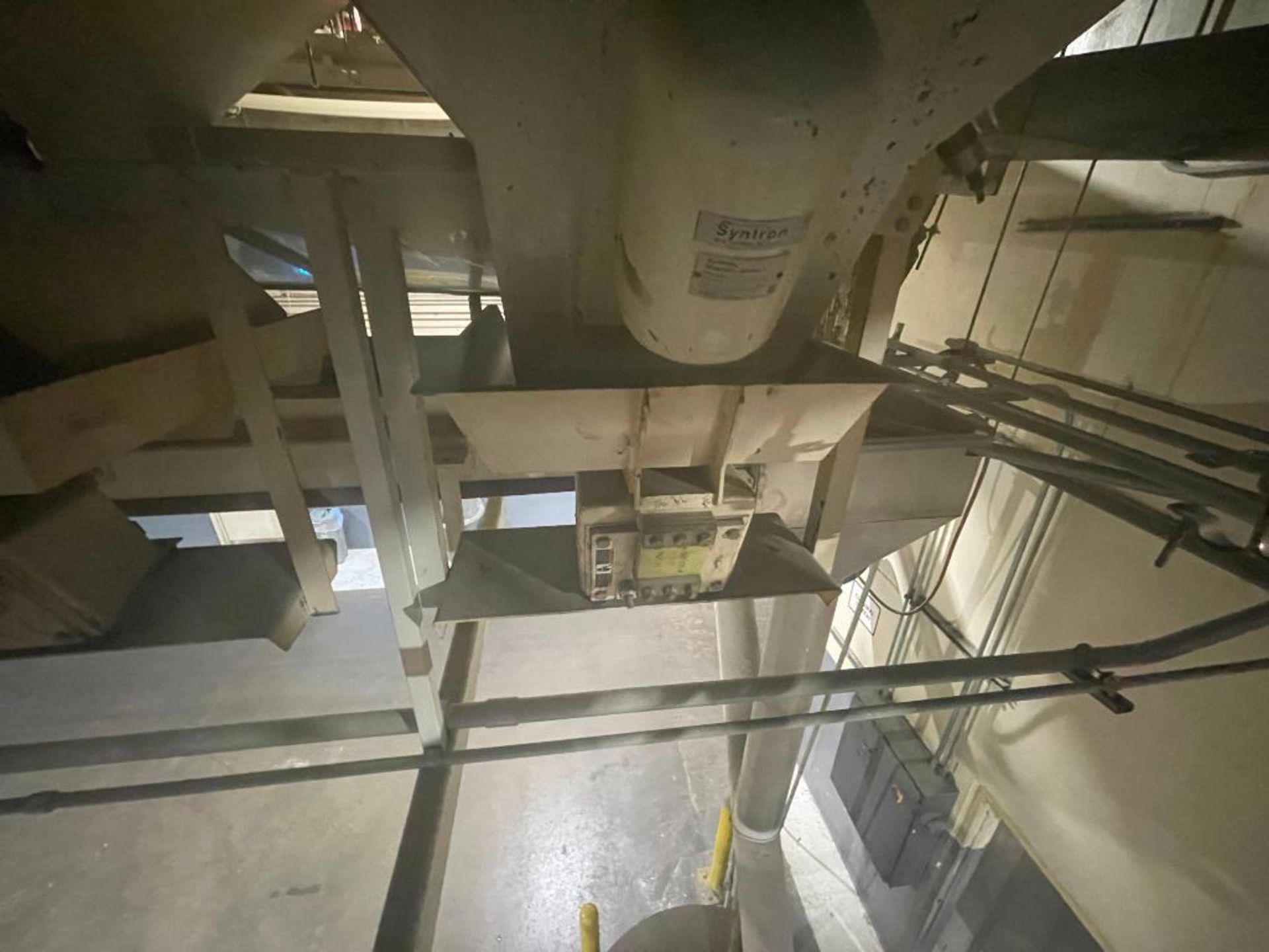 Aseeco 5-bin blending system with 5 Syntron vibratory feeders on bottom - Image 10 of 18
