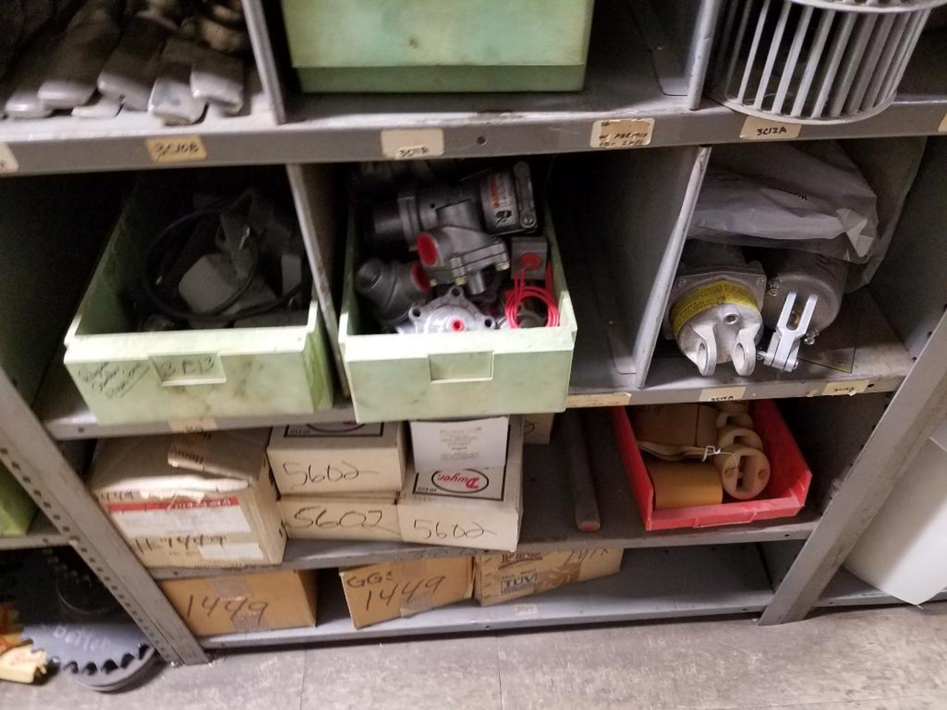 various replacement parts, conveyor belts, electrical components, gears and gauges - Image 17 of 21