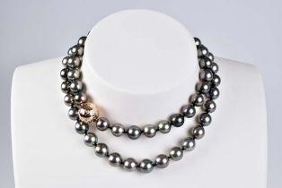Tahiti-Zuchtperlen-Collier Sehr hochwertiges Collier, L ca. 64,5 cm, 76,4 g, hochwerti