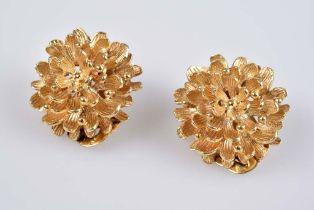 Paar Ohrclips - Goldschmiedeanfertigung GG 750, 16,5 g, in Form einer Blüte, D ca. 20