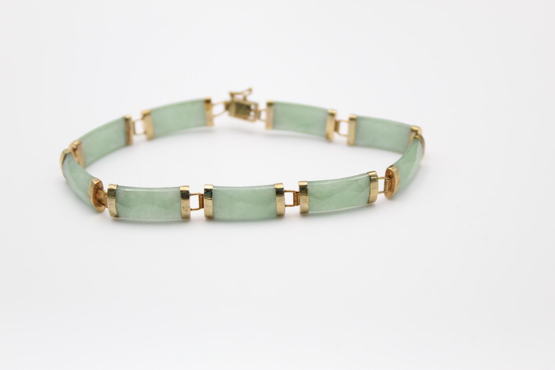 9ct gold Chinese jade panel bracelet 9.2g - Image 3 of 4