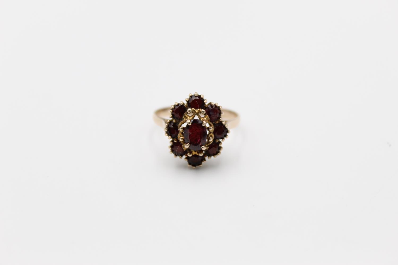 Vintage 9ct Gold garnet cluster ring 3.3g Size R