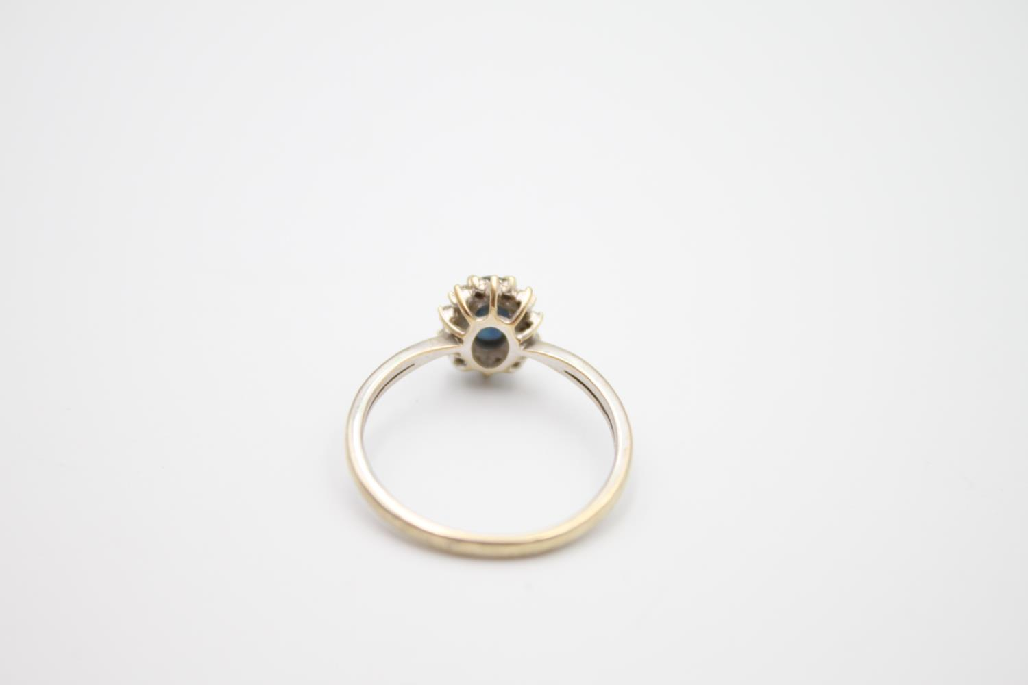 vintage 9ct gold sapphire & diamond halo ring 1.7g Size M - Image 5 of 5