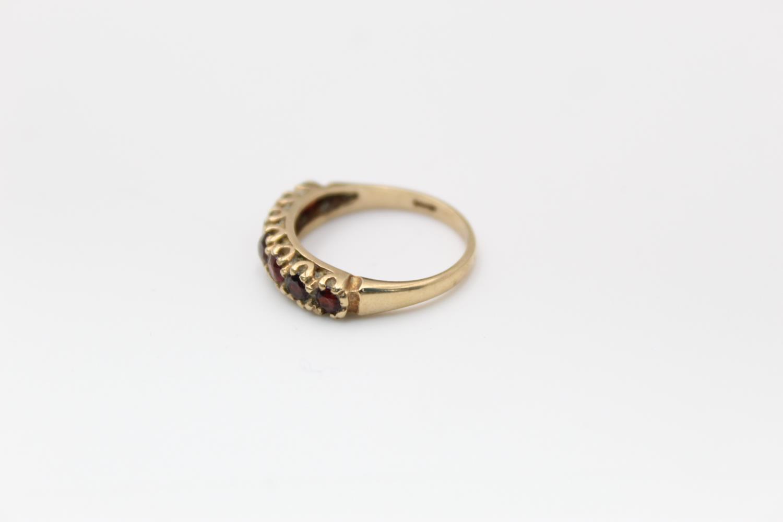2 x 9ct Gold gemstone rings inc. garnet, five stone 4.7g Size M & L - Image 3 of 10