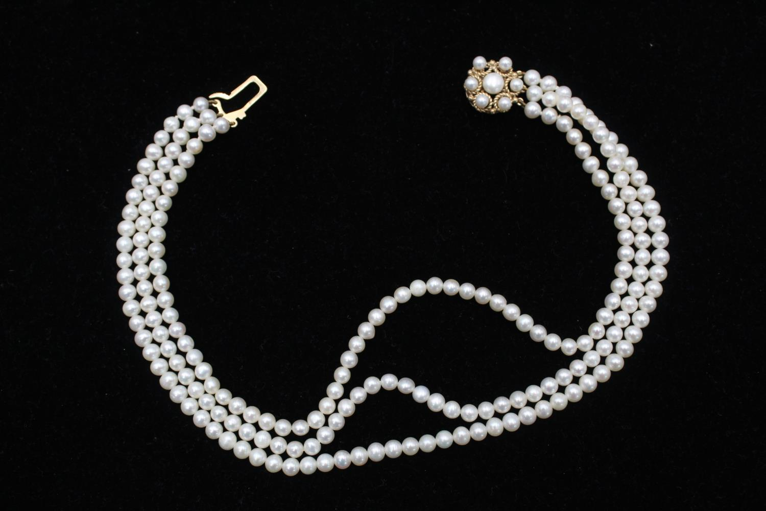 9ct Gold clasp pearl multi strand choker necklace 40.2g - Image 4 of 5