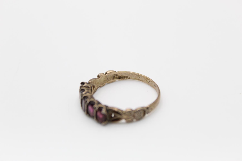 2 x 9ct Gold gemstone rings inc. garnet, five stone 4.7g Size M & L - Image 10 of 10