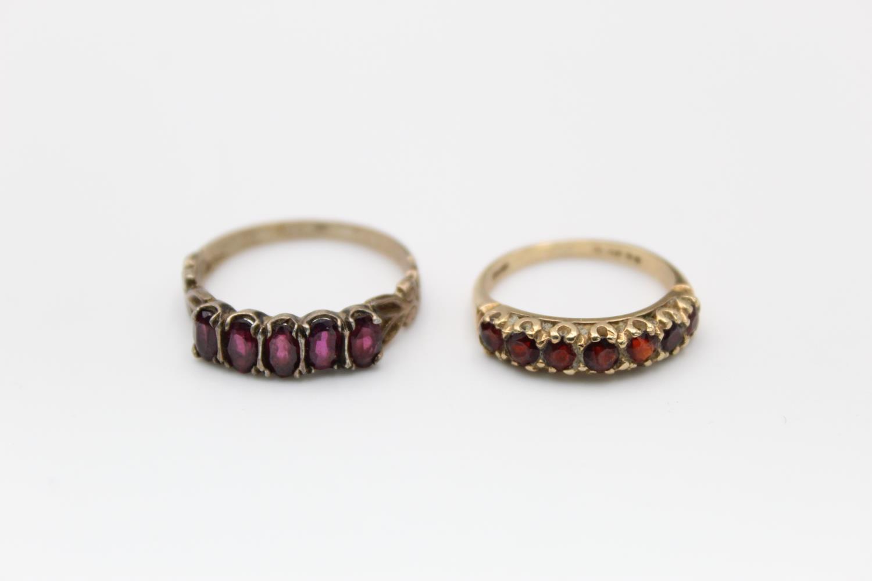 2 x 9ct Gold gemstone rings inc. garnet, five stone 4.7g Size M & L
