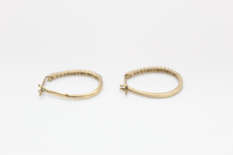 2 x 9ct gold diamond earrings inc pearl, hoops 3.9g - Image 6 of 9