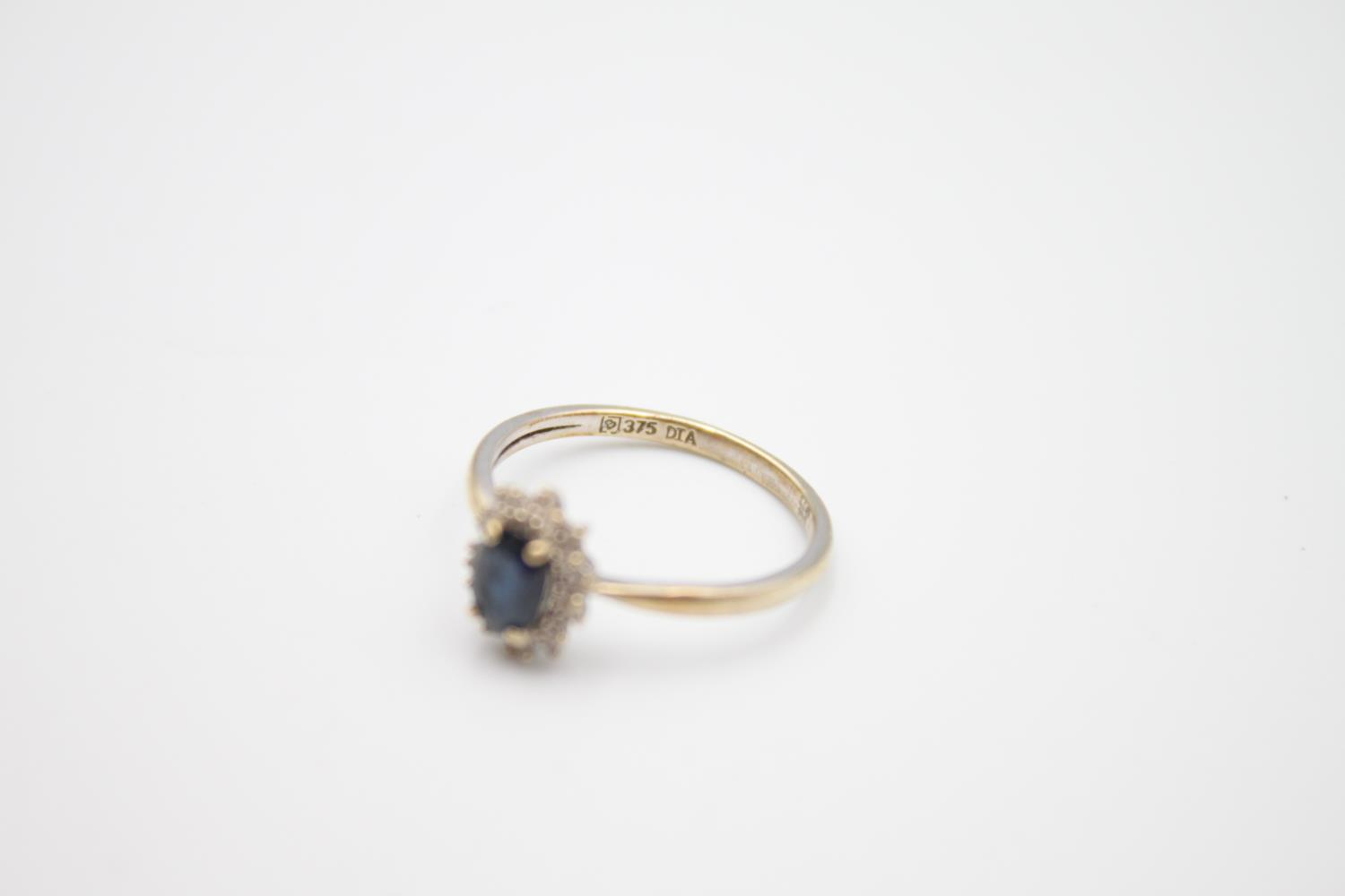 vintage 9ct gold sapphire & diamond halo ring 1.7g Size M - Image 2 of 5
