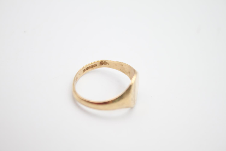 2 x vintage 9ct gold engraved signet rings 5.1g Size U & N - Image 6 of 6