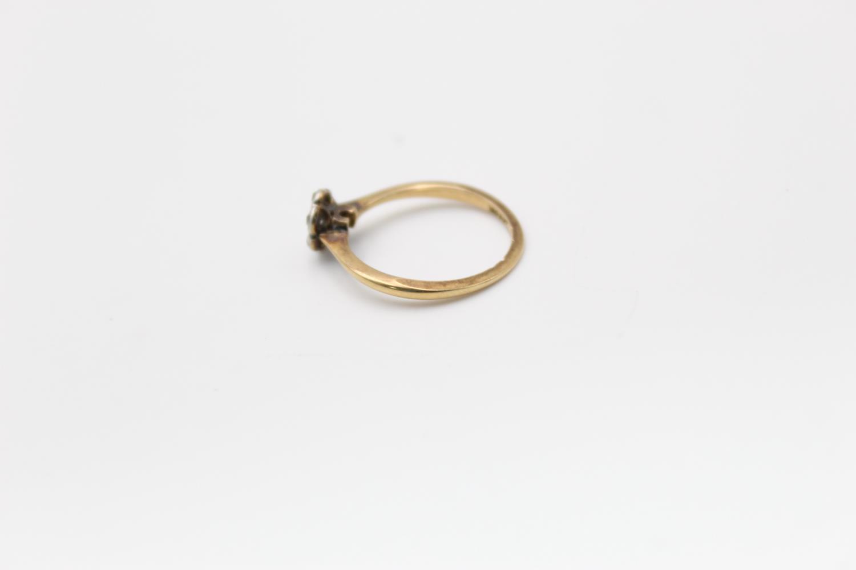 18ct Gold & platinum diamond cluster ring 1.7g Size K - Image 2 of 5