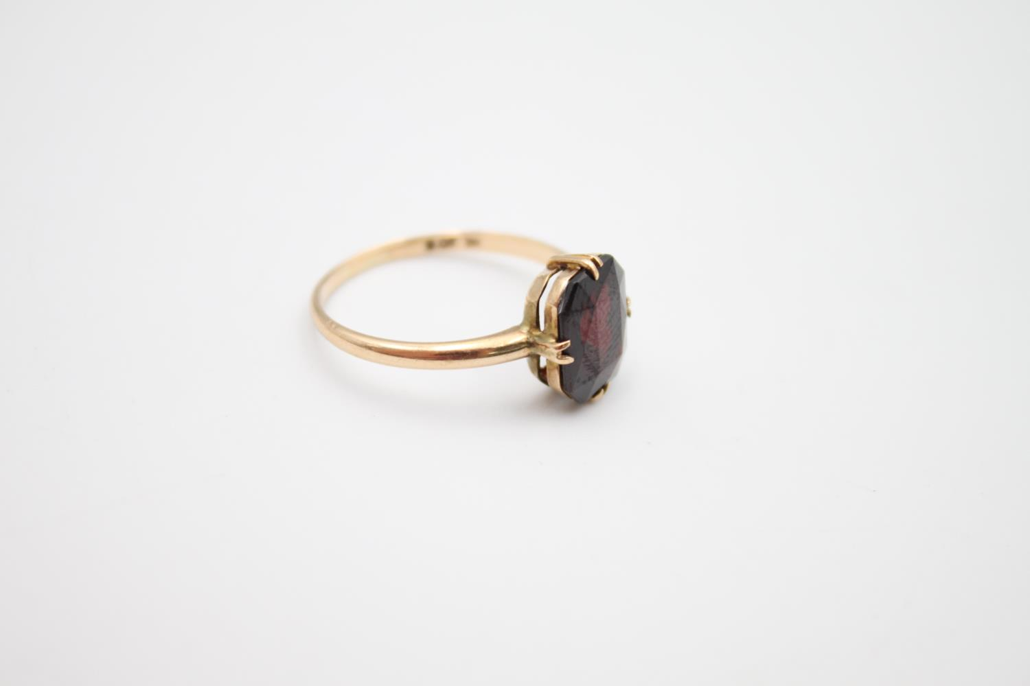 vintage 9ct gold garnet solitaire ring 2.1g Size O - Image 4 of 5
