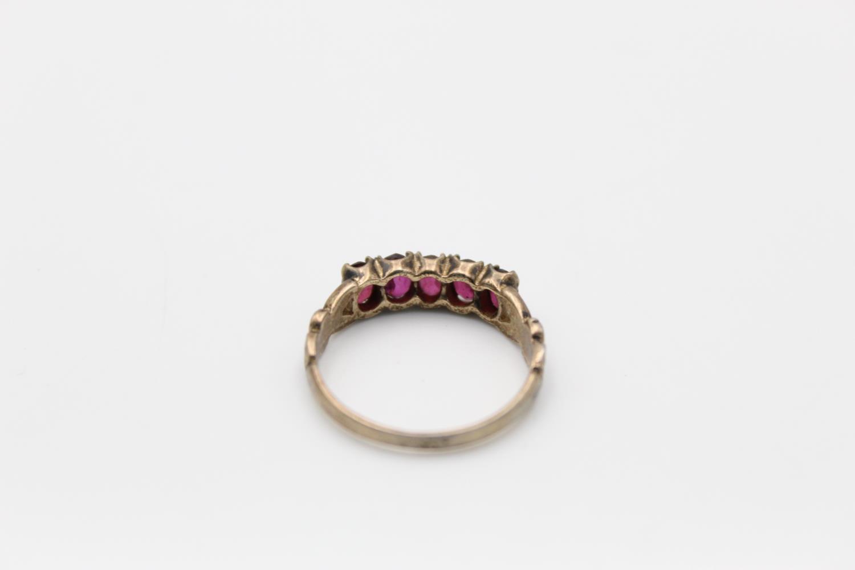 2 x 9ct Gold gemstone rings inc. garnet, five stone 4.7g Size M & L - Image 9 of 10