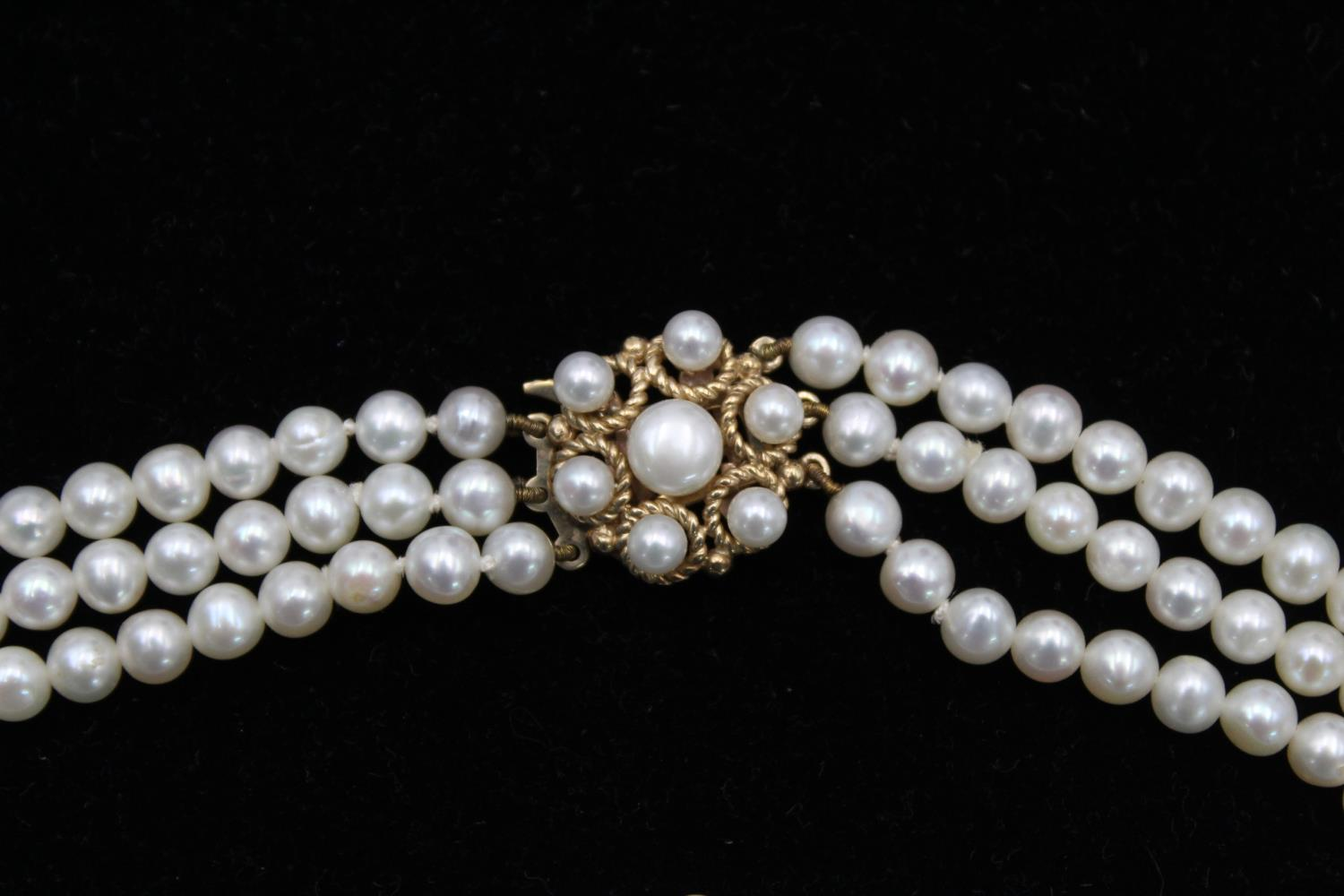 9ct Gold clasp pearl multi strand choker necklace 40.2g - Image 3 of 5
