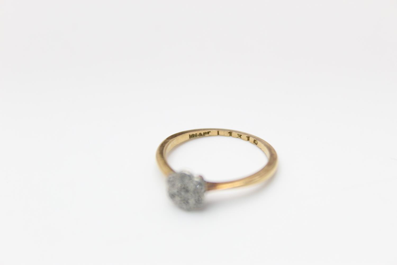 18ct Gold & platinum diamond cluster ring 1.7g Size K - Image 4 of 5
