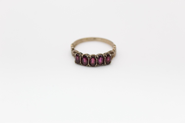 2 x 9ct Gold gemstone rings inc. garnet, five stone 4.7g Size M & L - Image 7 of 10