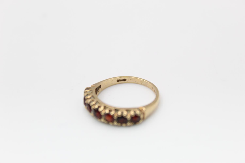 2 x 9ct Gold gemstone rings inc. garnet, five stone 4.7g Size M & L - Image 5 of 10