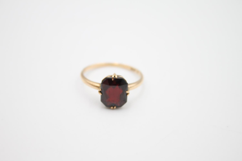 vintage 9ct gold garnet solitaire ring 2.1g Size O