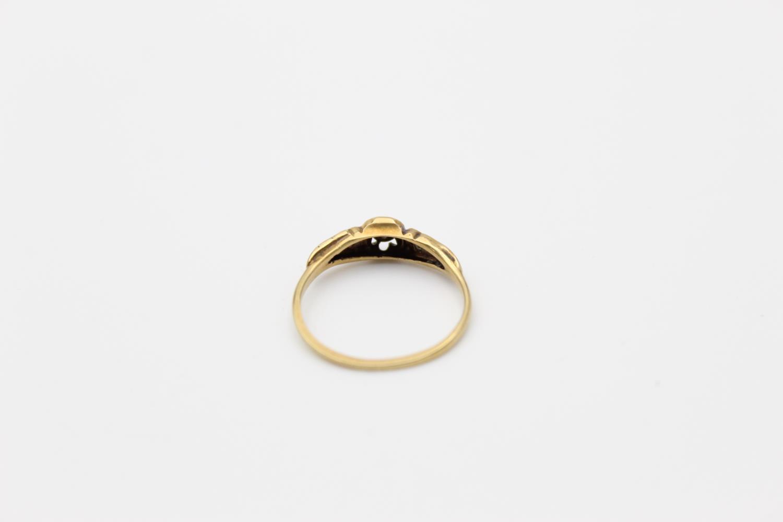 antique 18ct gold diamond set ring 2g Size N - Image 3 of 4