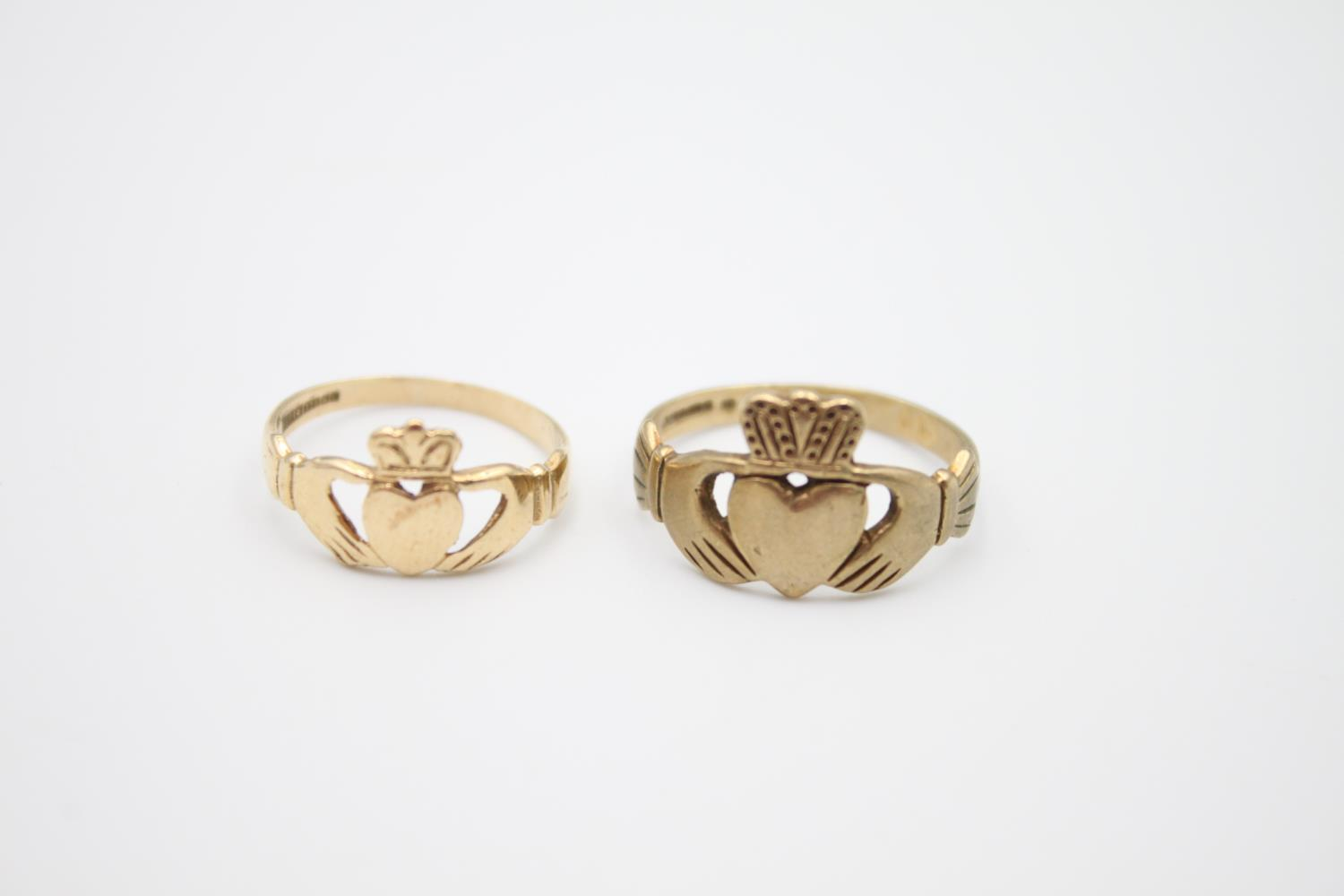 2 x 9ct gold Claddagh rings 4.1g Size K & O