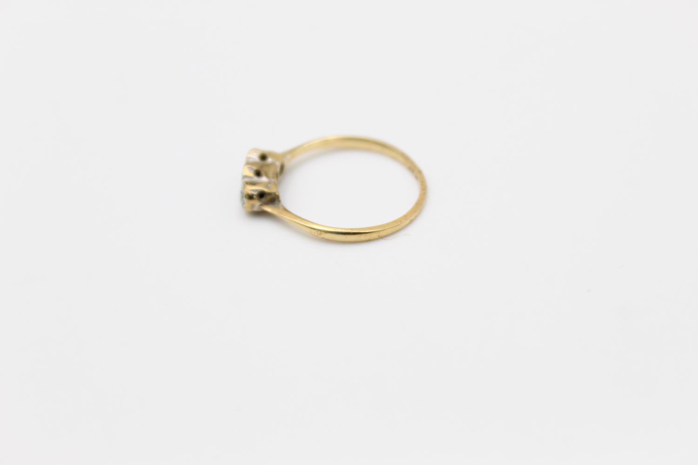 Vintage 18ct Gold & platinum trilogy diamond ring 1.4g Size J - Image 2 of 4