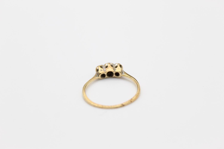 Vintage 18ct Gold & platinum trilogy diamond ring 1.4g Size J - Image 3 of 4