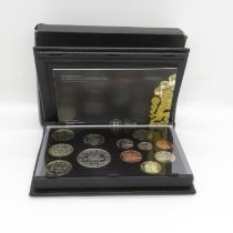 2009 deluxe coin set including rare 50p Kew Gardens - glue loose on parts of box