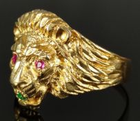 Löwenkopf-Ring, fein reliefiert ausgearbeitet und die Augen