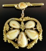 Grandl gold brooch, bar brooch with central set stag grandl as well as large suspension of 5