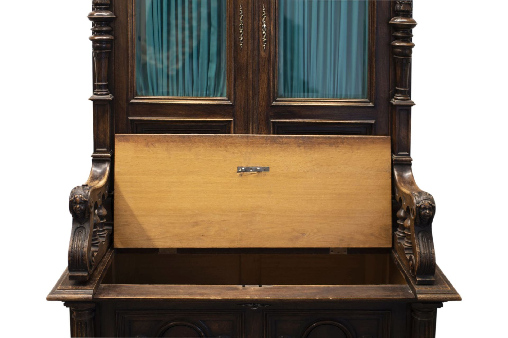 Bookshelf - Image 4 of 10
