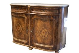 Salon chest of drawers with profiled marble top