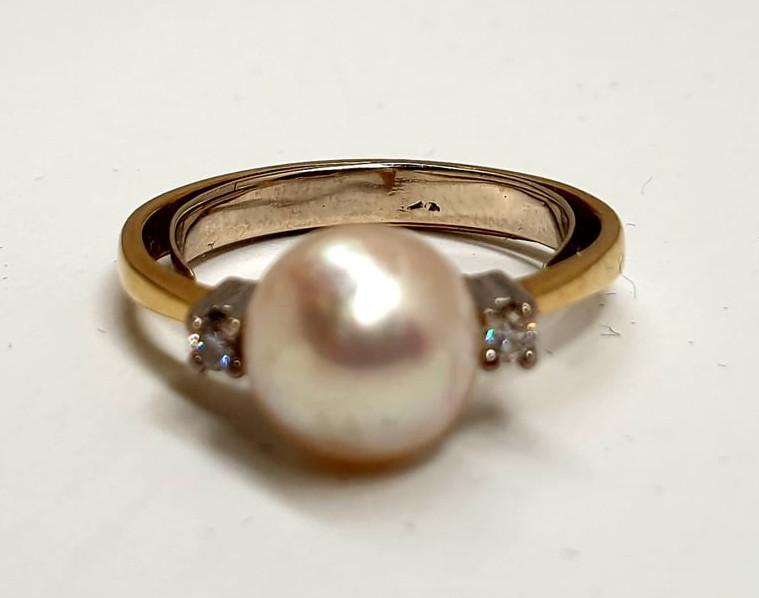 Ring   14K   Diamond & Pearl