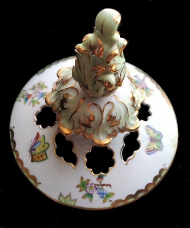 Herend   Monumental Vase   Victoria - Image 2 of 7