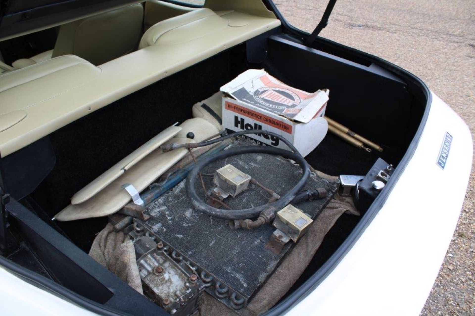 1972 Jensen Interceptor SP Auto - Image 15 of 32