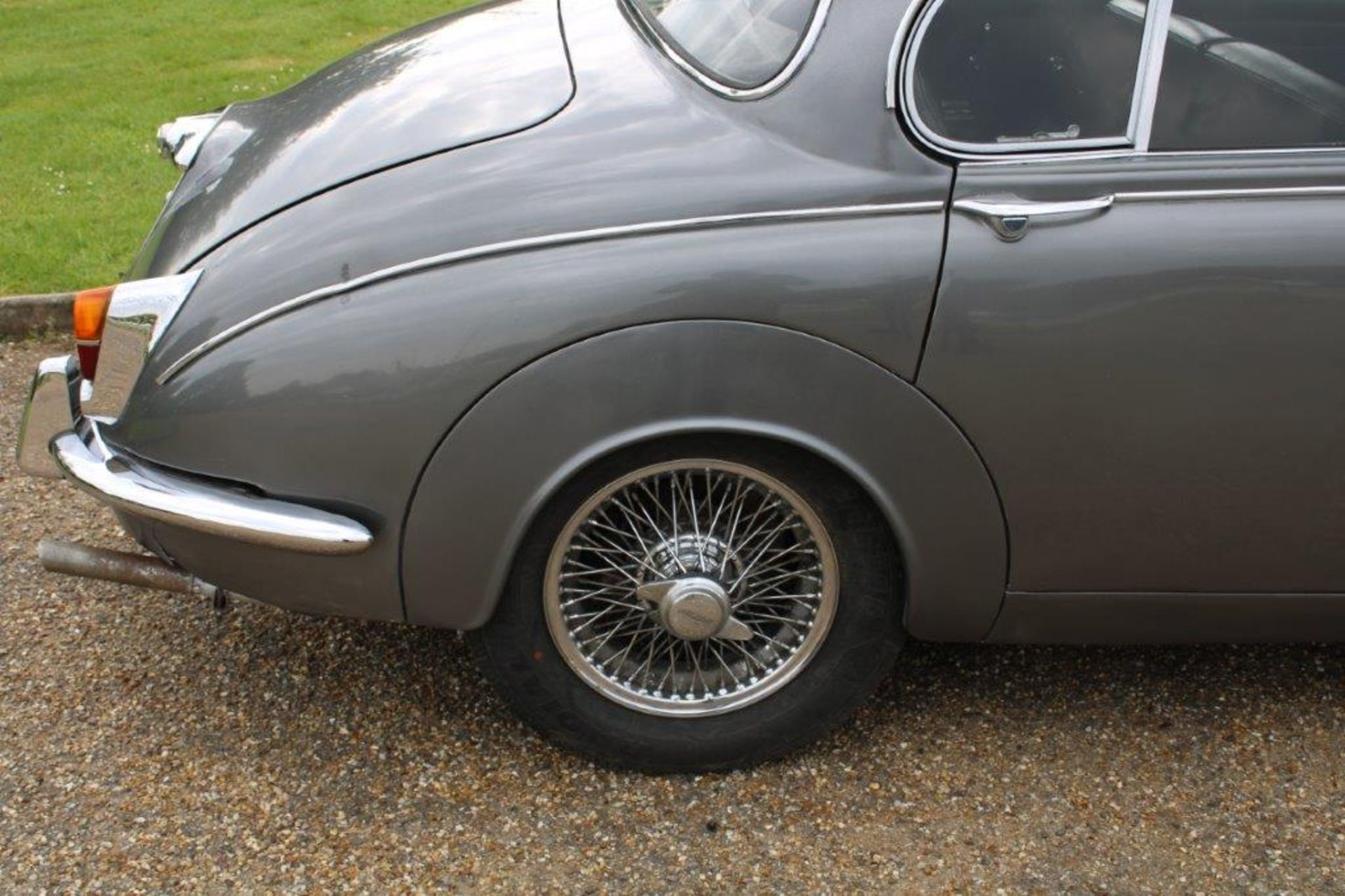 1969 Daimler 250 Fitted with 2.0 prima turbo diesel manual - Image 8 of 34