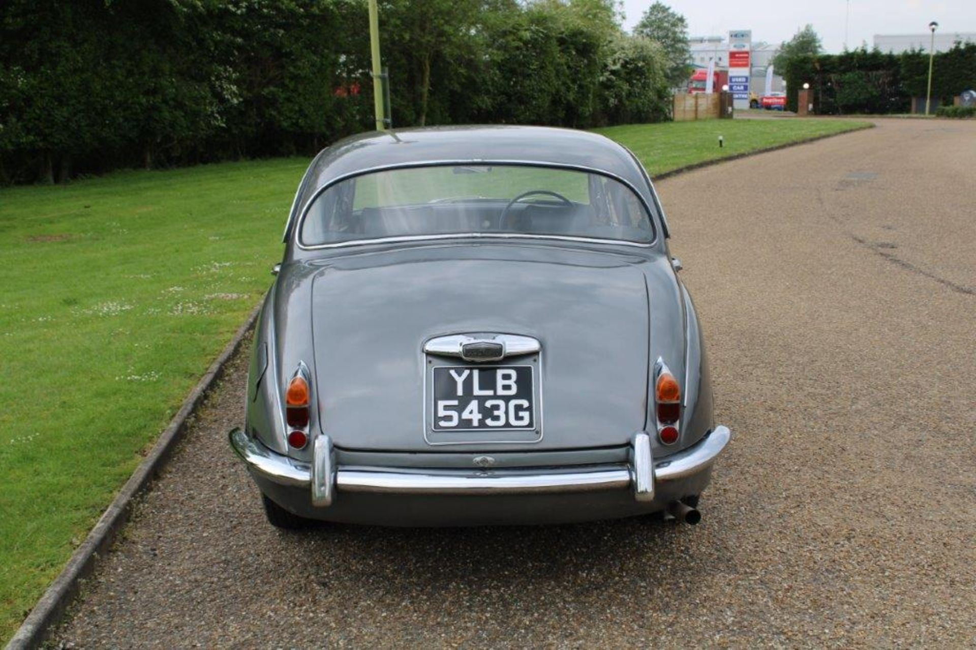 1969 Daimler 250 Fitted with 2.0 prima turbo diesel manual - Image 3 of 34