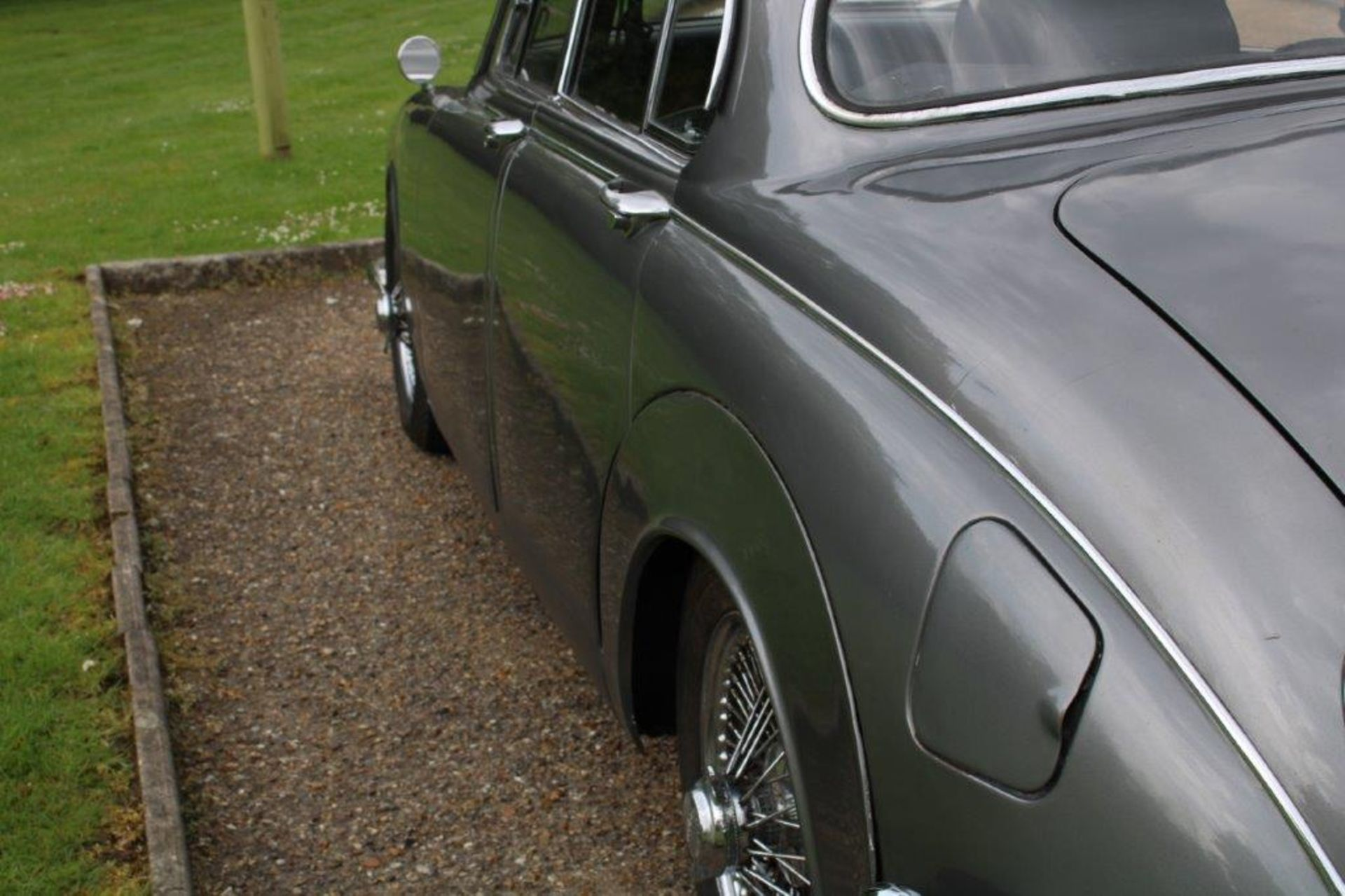 1969 Daimler 250 Fitted with 2.0 prima turbo diesel manual - Image 10 of 34