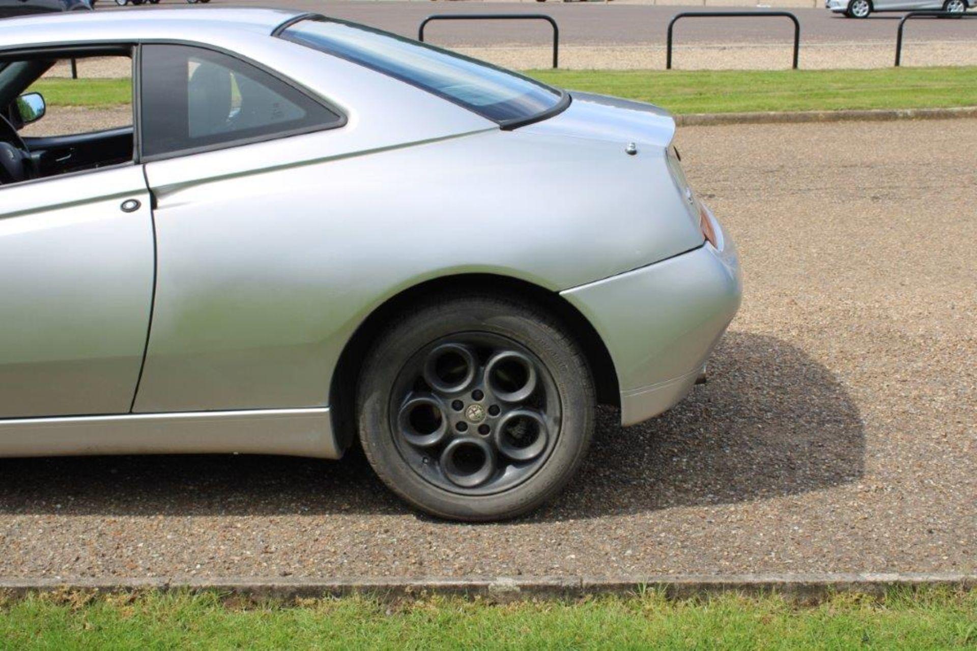 1999 Alfa Romeo GTV Lusso T-Spark 16v - Image 7 of 18