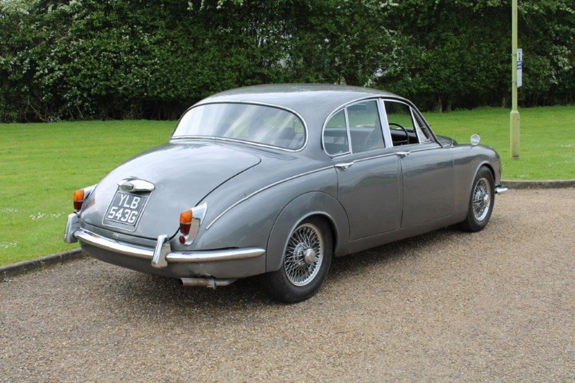 1969 Daimler 250 Fitted with 2.0 prima turbo diesel manual - Image 2 of 34