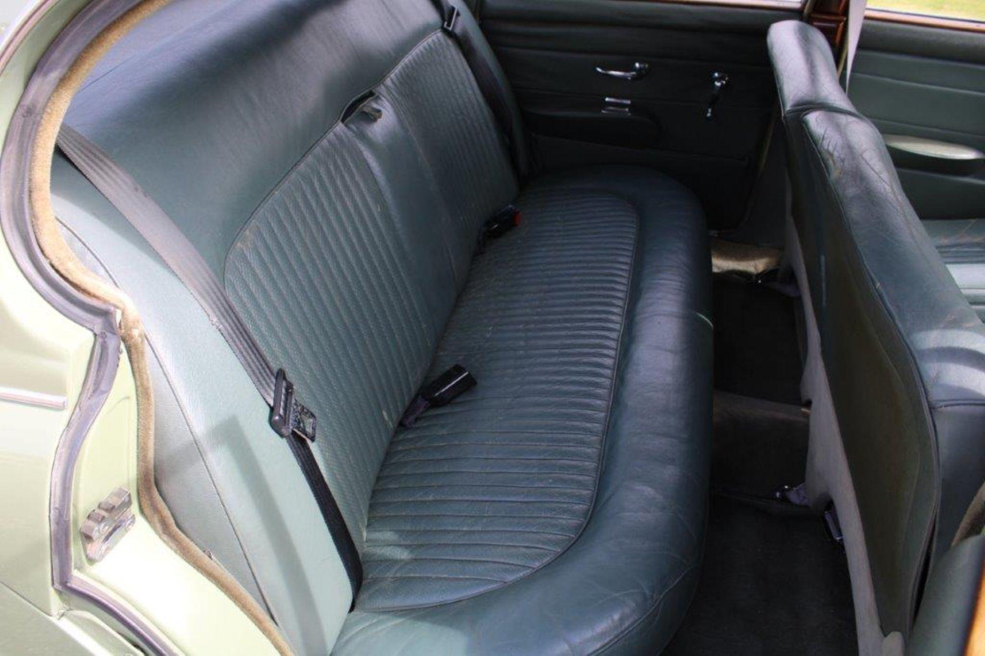 1968 Daimler V8 250 Auto - Image 14 of 30