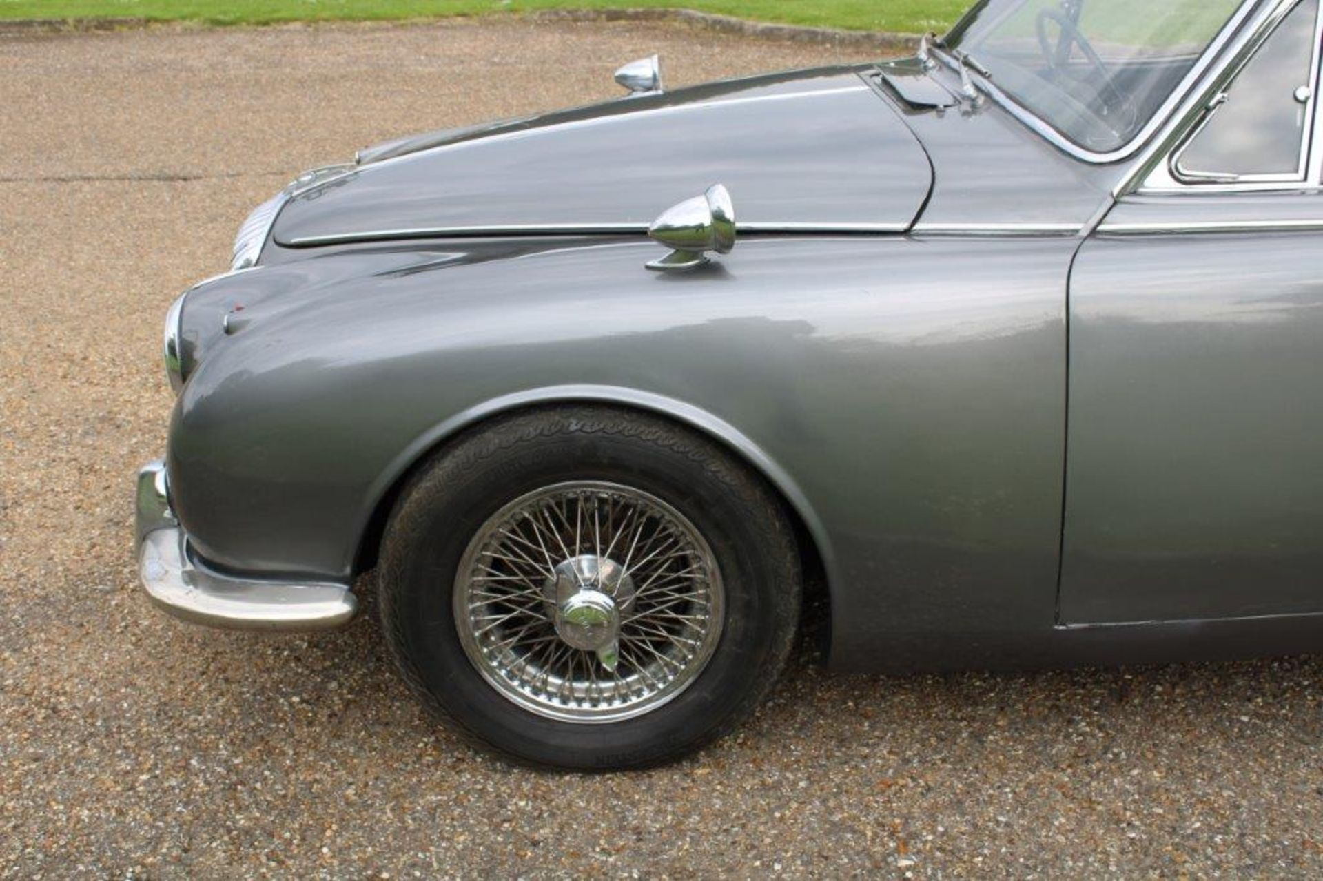 1969 Daimler 250 Fitted with 2.0 prima turbo diesel manual - Image 12 of 34