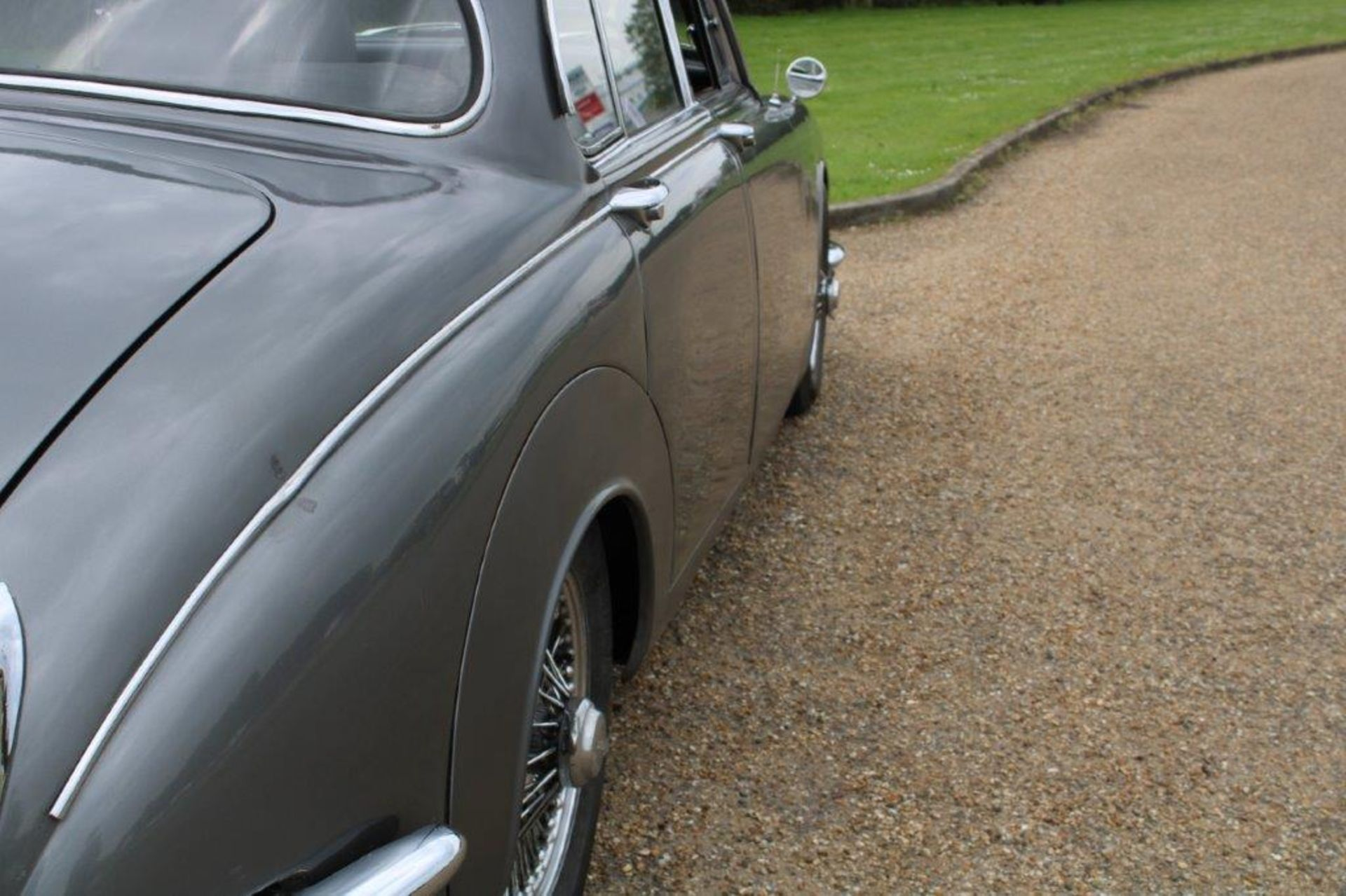 1969 Daimler 250 Fitted with 2.0 prima turbo diesel manual - Image 9 of 34