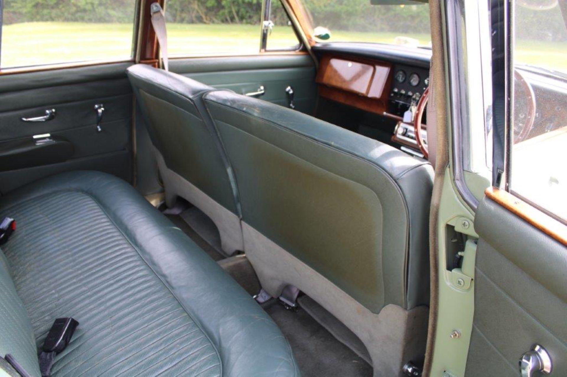 1968 Daimler V8 250 Auto - Image 13 of 30