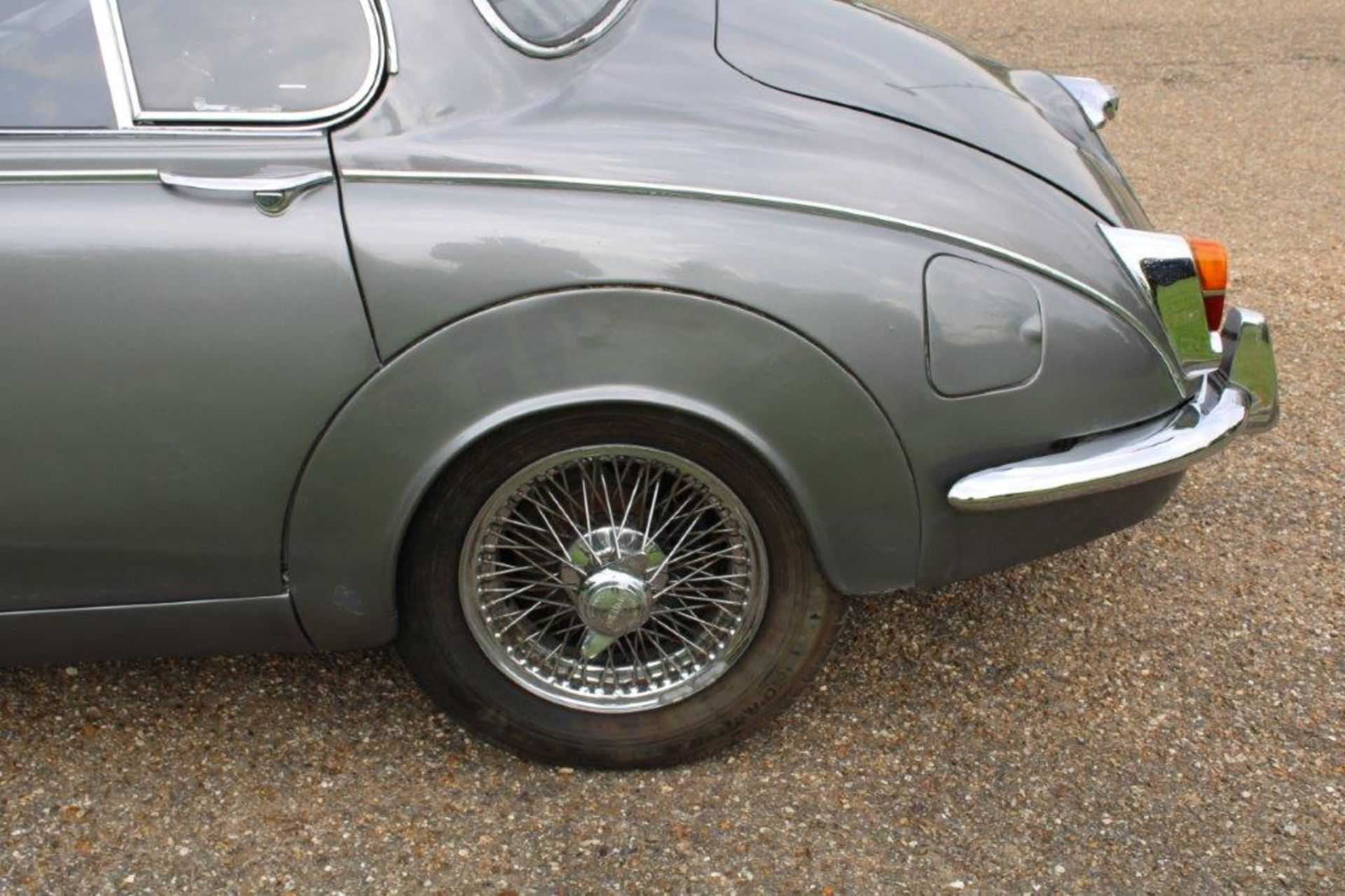 1969 Daimler 250 Fitted with 2.0 prima turbo diesel manual - Image 11 of 34
