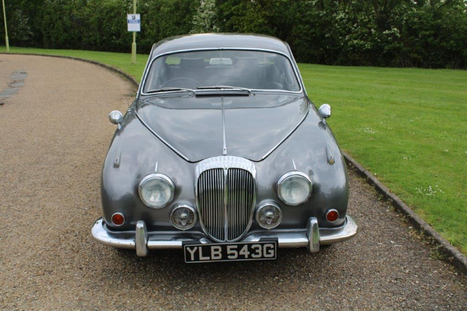 1969 Daimler 250 Fitted with 2.0 prima turbo diesel manual - Image 6 of 34