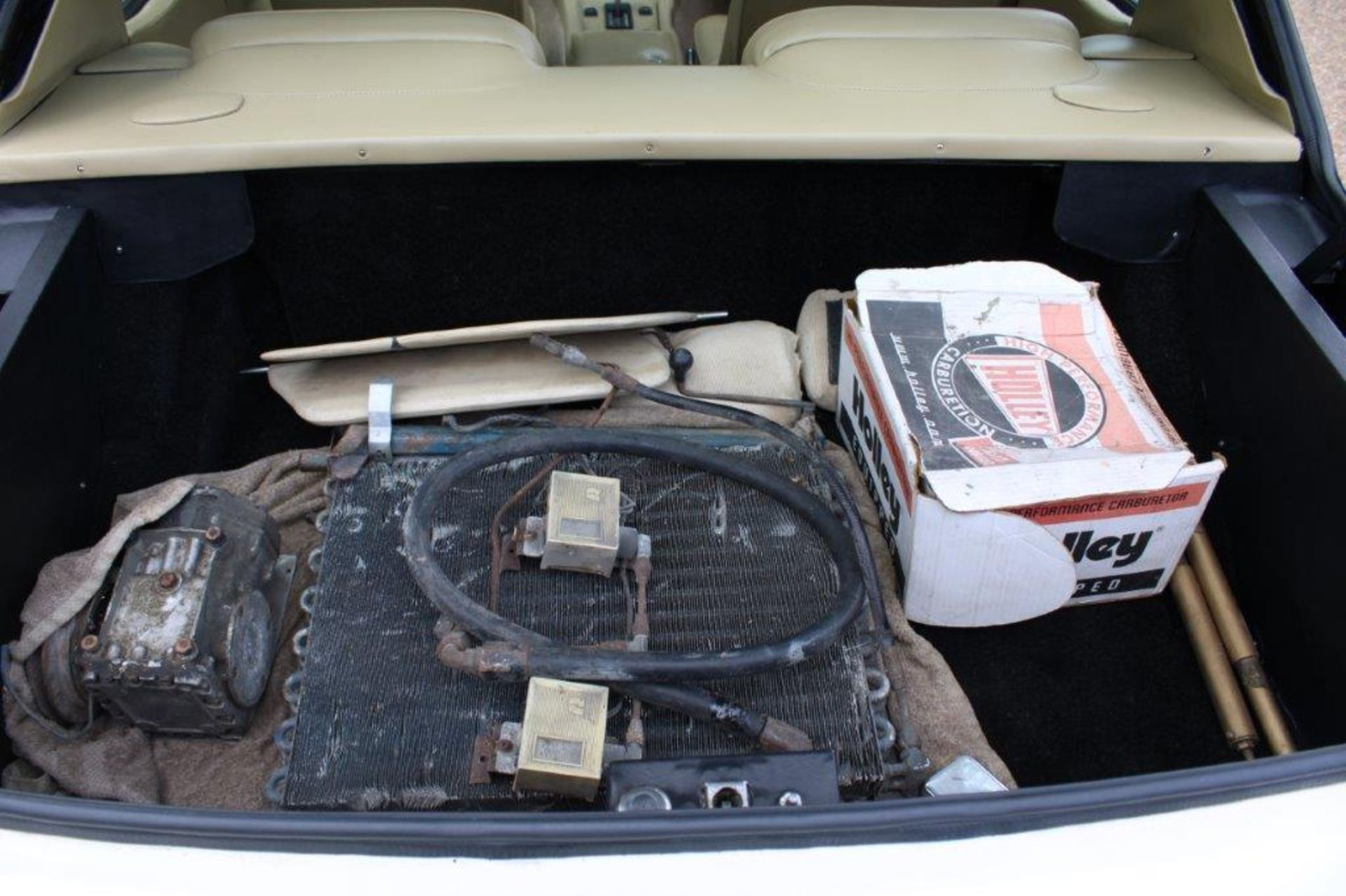 1972 Jensen Interceptor SP Auto - Image 14 of 32