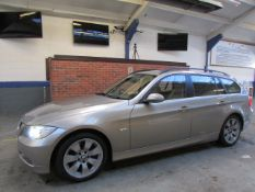 57 07 BMW 330D SE Touring